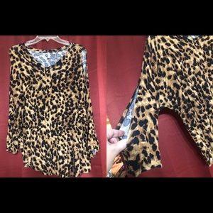 Tops - Open sleeve leopard tunic top